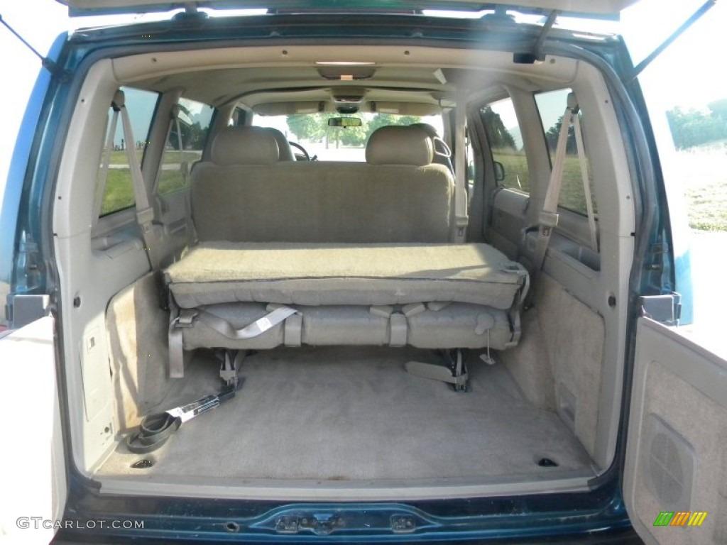 1999 chevrolet astro ls passenger van trunk photo 67362935
