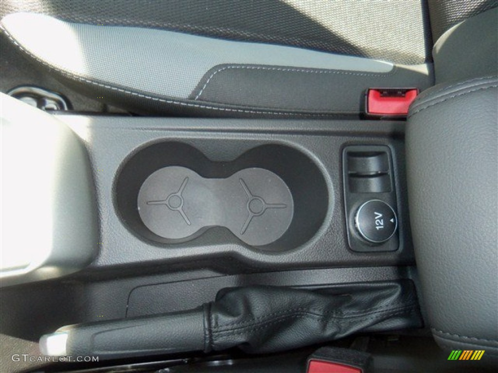 2012 Focus SE Sport 5-Door - Tuxedo Black Metallic / Two-Tone Sport photo #19