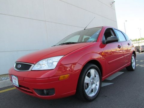 2006 ford focus zx5 ses hatchback data info and specs. Black Bedroom Furniture Sets. Home Design Ideas