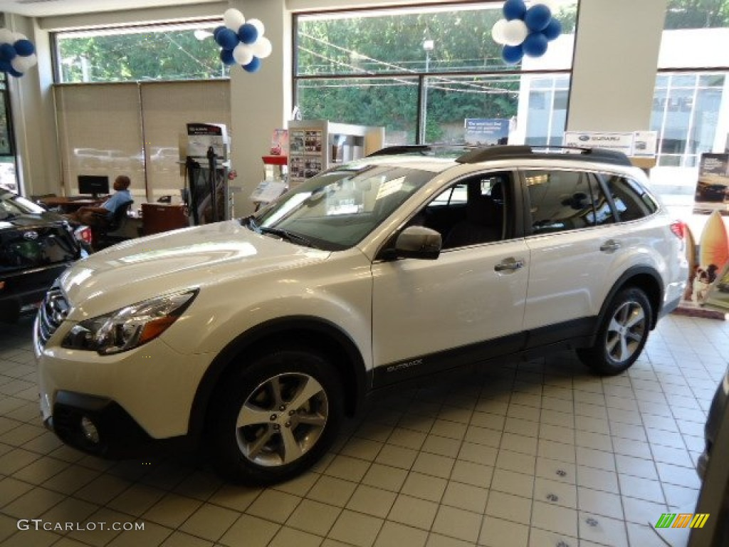 2013 Satin White Pearl Subaru Outback Limited