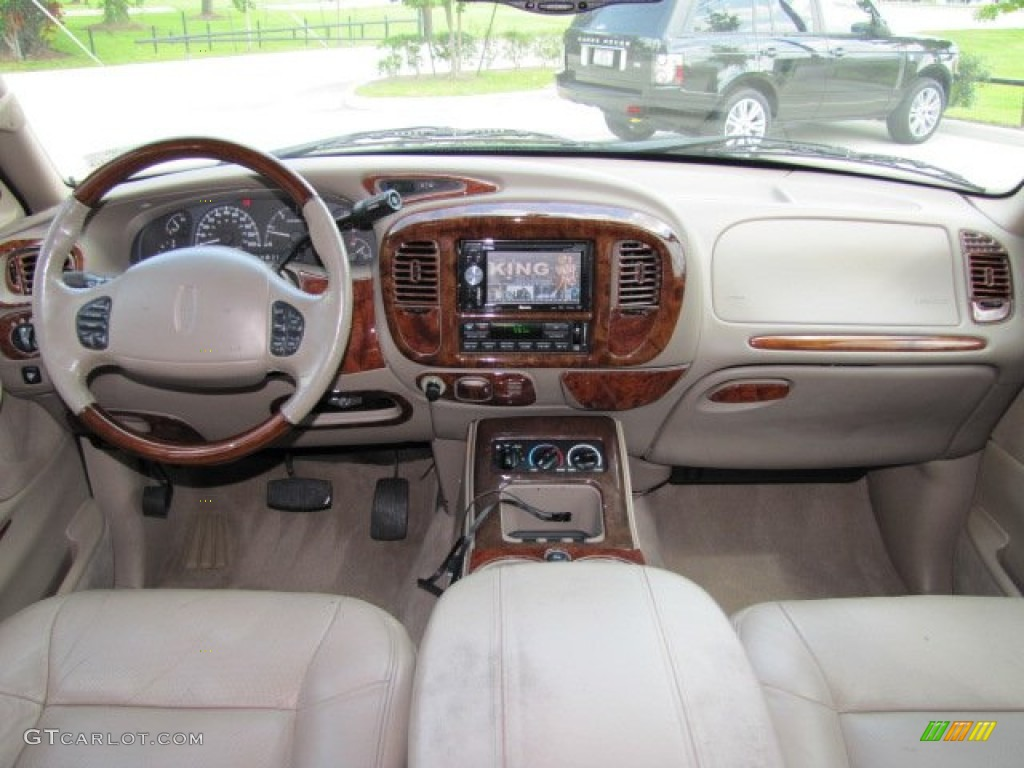 2001 Lincoln Navigator Standard Navigator Model Medium Parchment Dashboard Photo 67695136