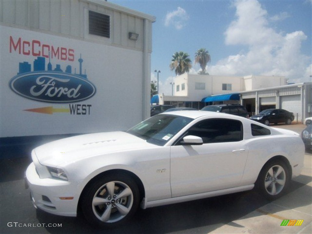 2013 ford mustang gt coupe performance white color charcoal black. Black Bedroom Furniture Sets. Home Design Ideas