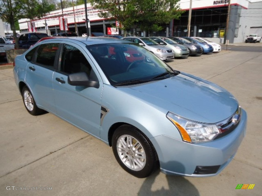 light ice blue metallic 2008 ford focus se sedan exterior photo 67750295. Black Bedroom Furniture Sets. Home Design Ideas