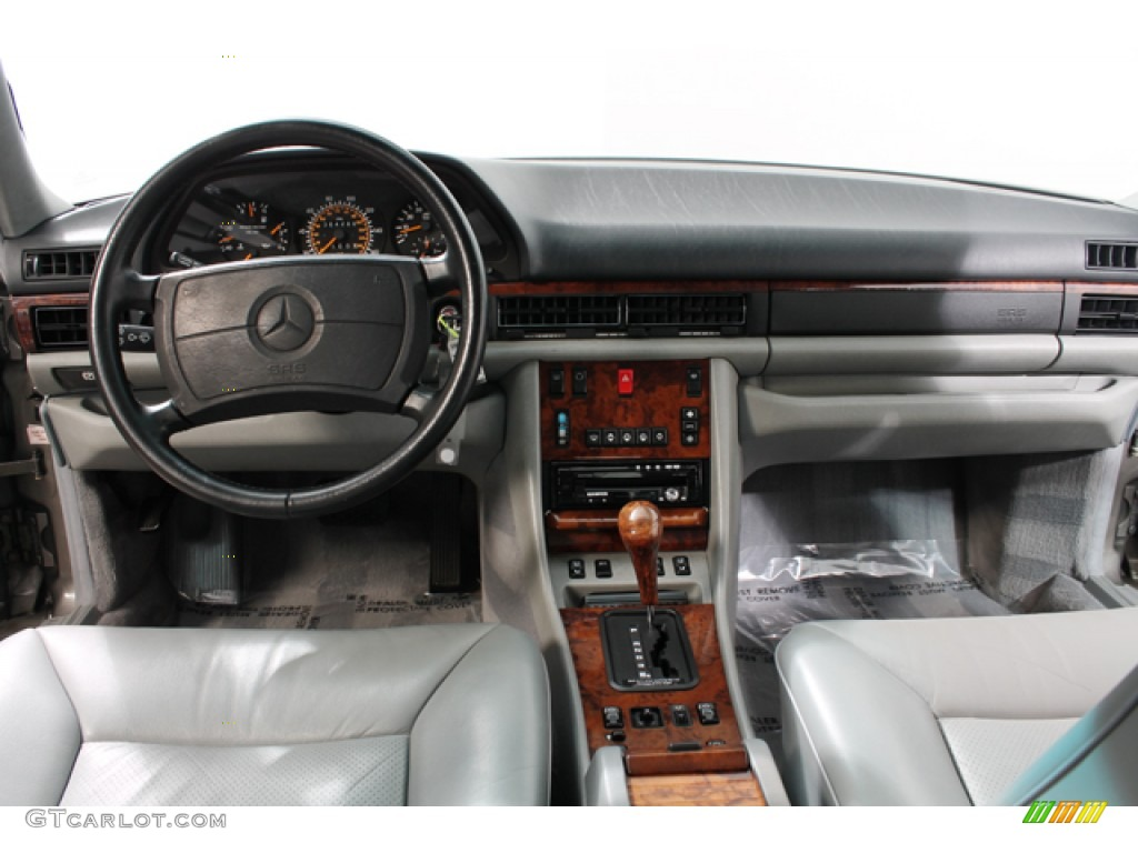 1991 mercedes benz s class 560 sel dashboard photos for Mercedes benz dashboard