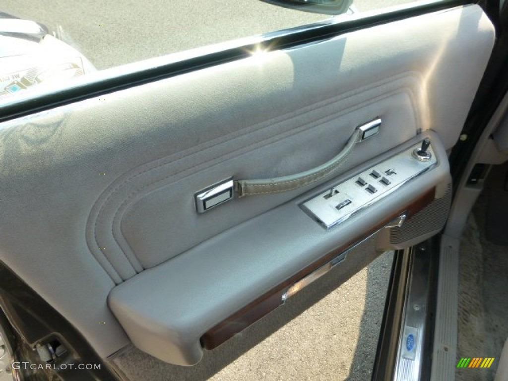 1990 Ford Ltd Crown Victoria Standard Ltd Crown Victoria Model Door Panel Photos