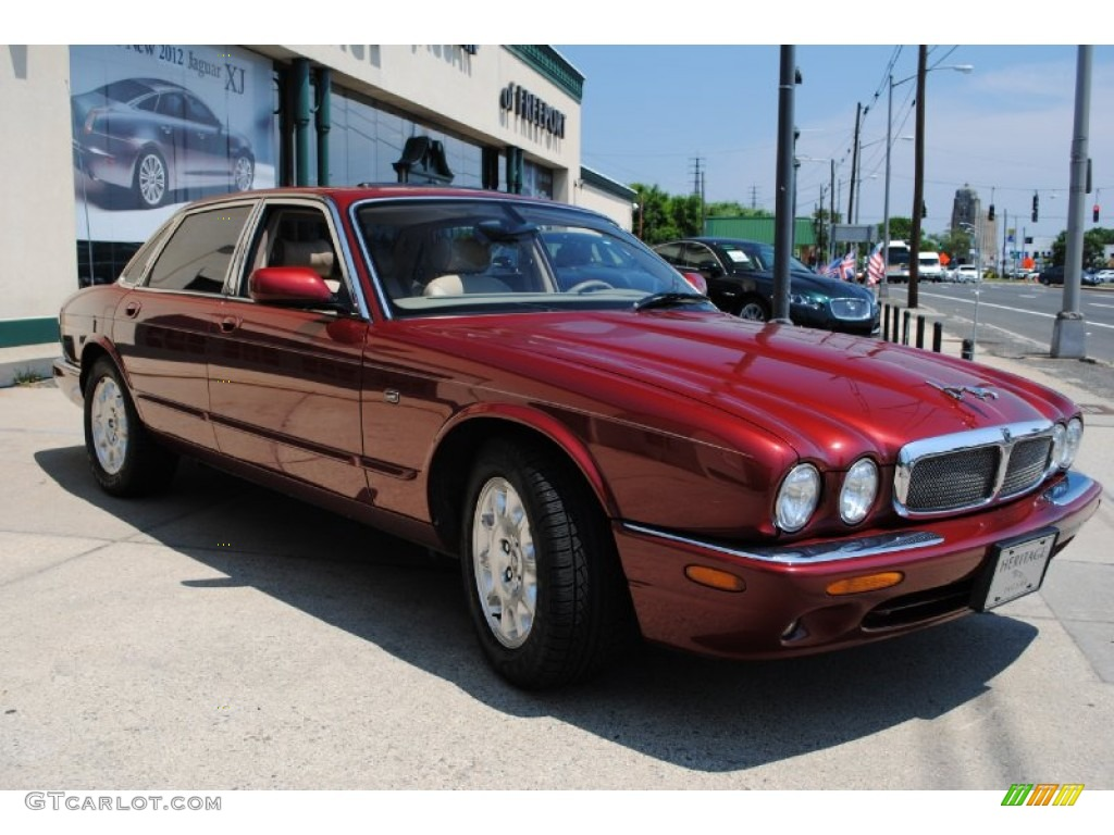 Carnival red metallic 2002 jaguar xj xj8 exterior photo for Jaguar xj exterior