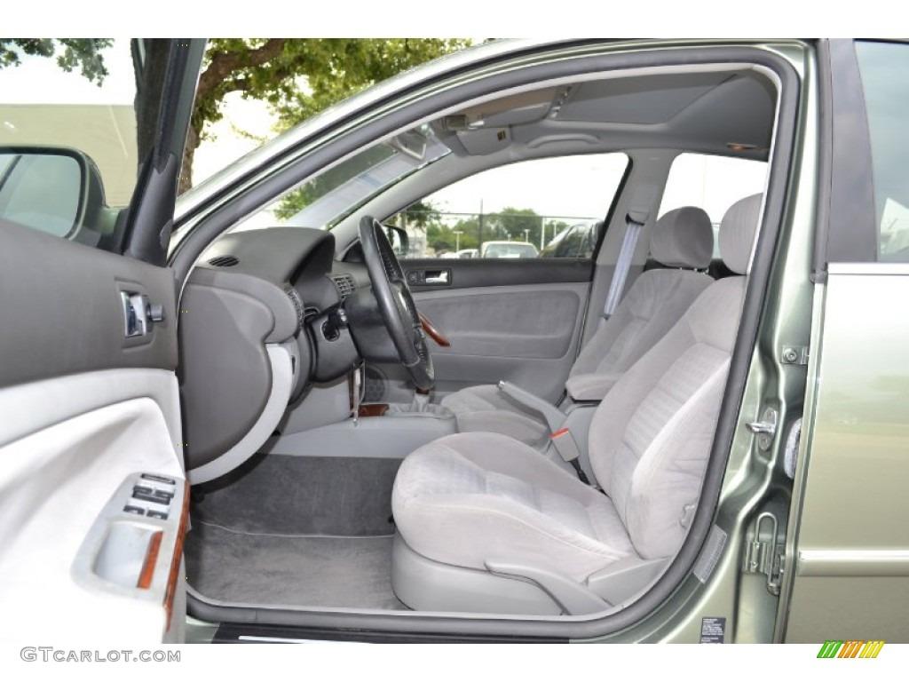Grey Interior 2002 Volkswagen Passat Gls Sedan Photo 67927979