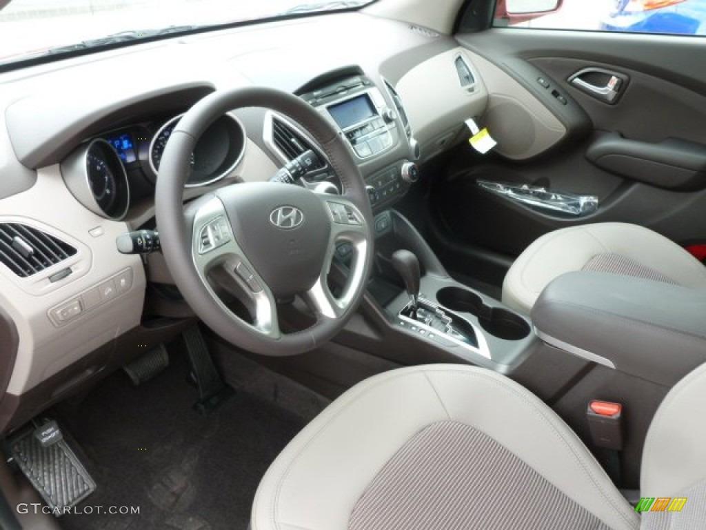 Taupe Interior 2013 Hyundai Tucson Gls Photo 67939508