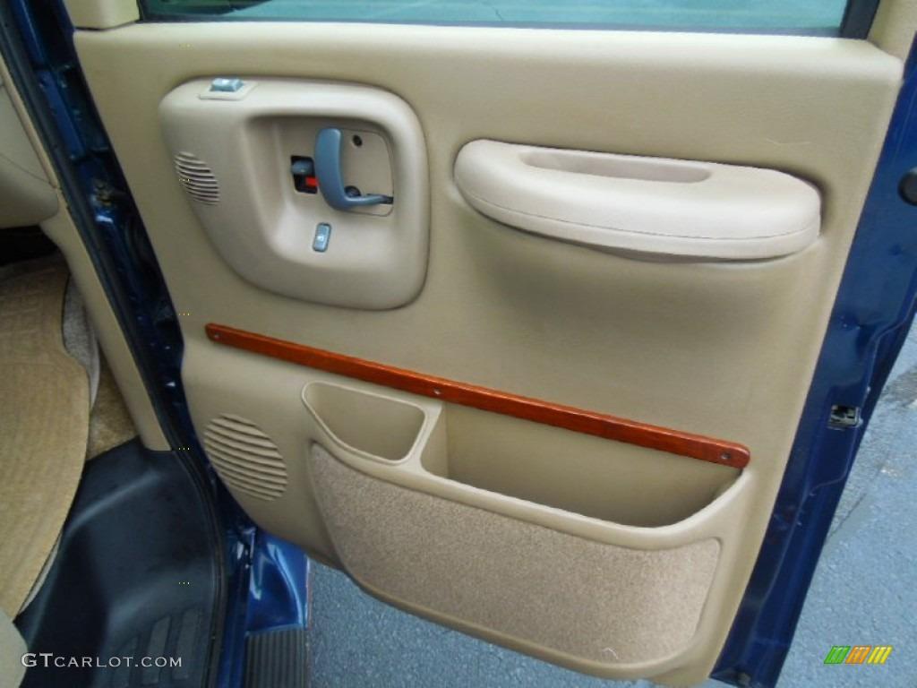 2000 Chevrolet Express G1500 Passenger Conversion Van Neutral Door Panel Photo 67958774