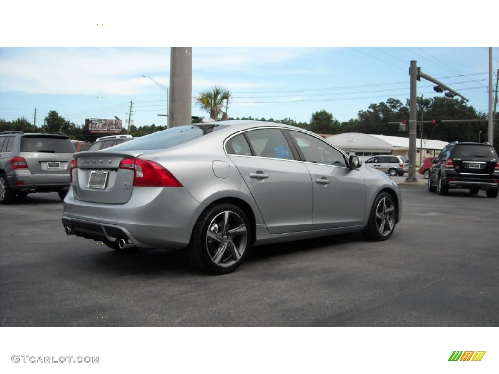 2013 electric silver metallic volvo s60 r design awd. Black Bedroom Furniture Sets. Home Design Ideas