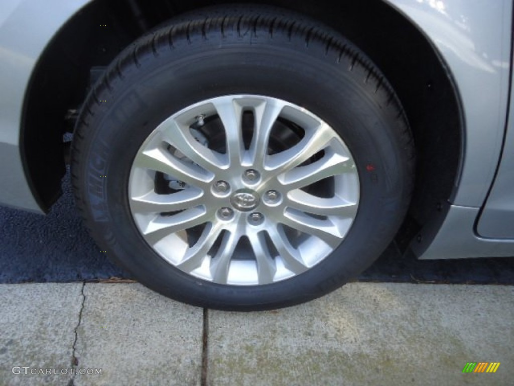 2012 Sienna XLE AWD - Silver Sky Metallic / Light Gray photo #9