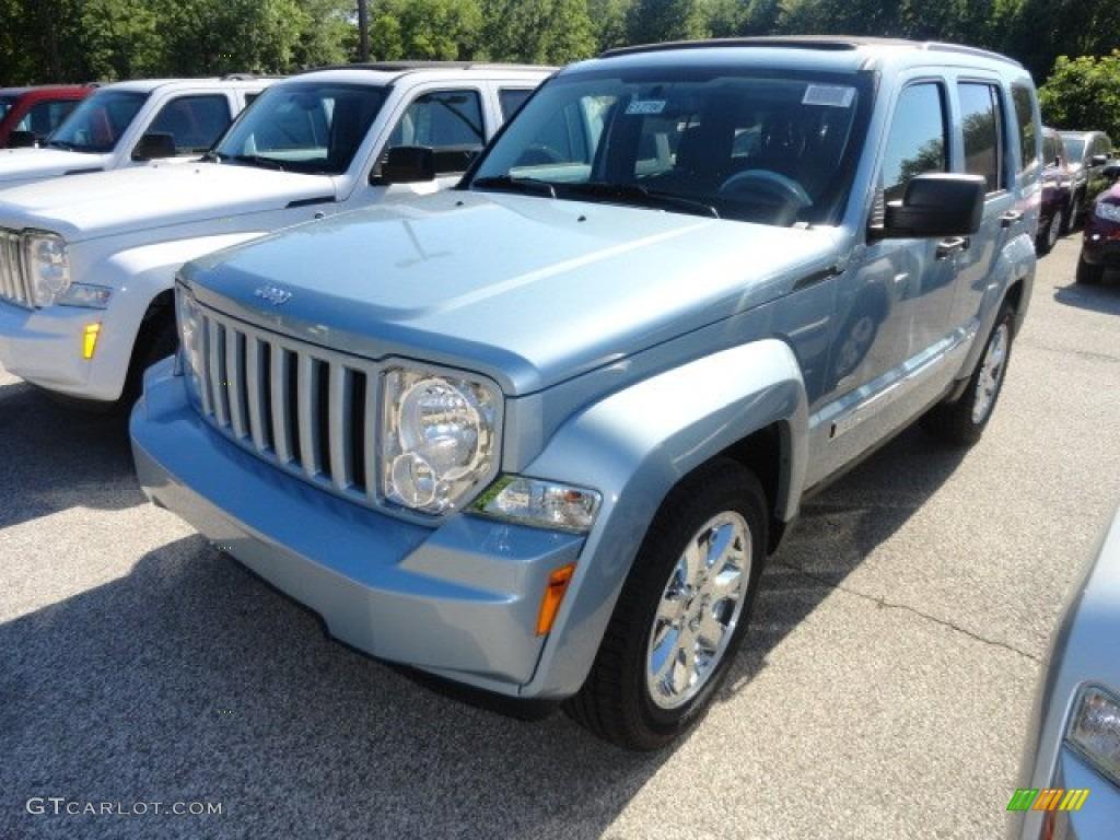 Attractive Winter Chill Pearl Jeep Liberty. Jeep Liberty Latitude 4x4