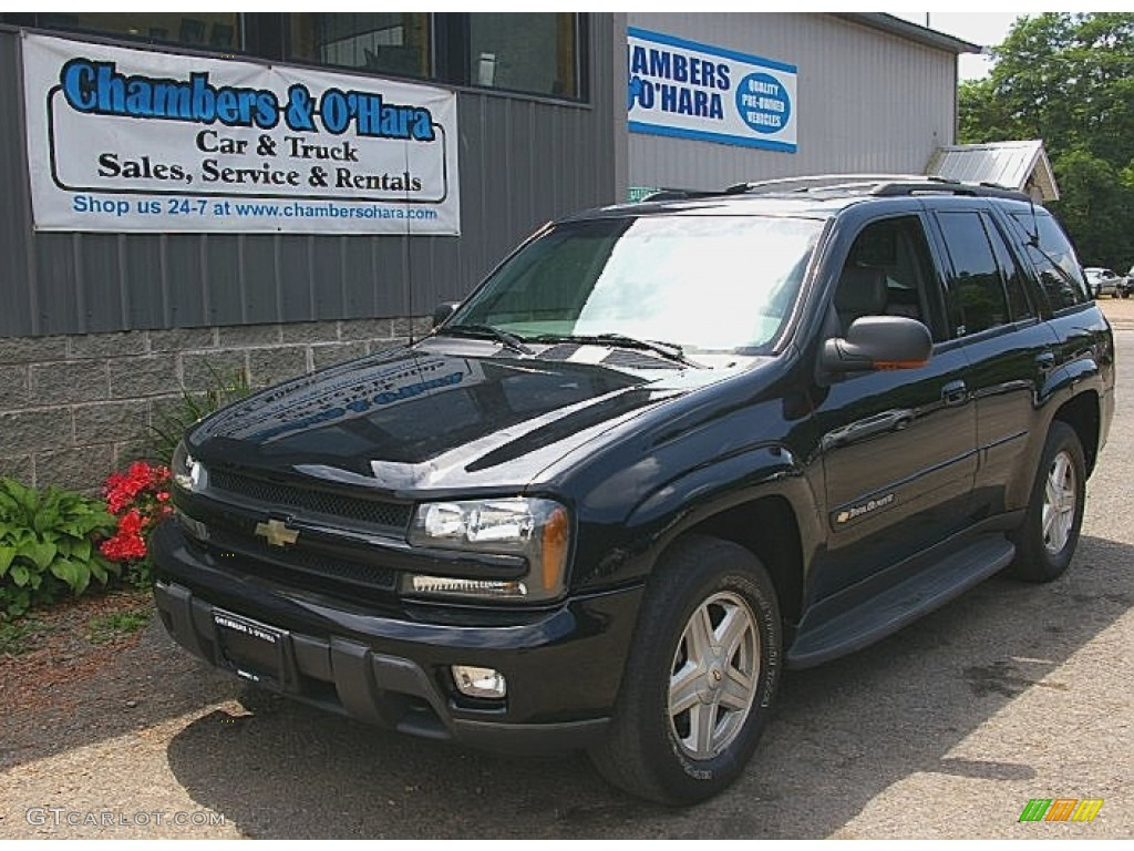 Black chevrolet trailblazer
