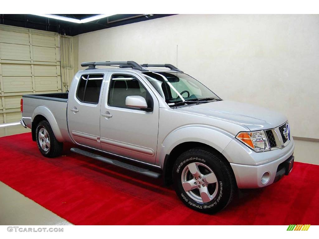 2008 radiant silver nissan frontier le crew cab 6792303. Black Bedroom Furniture Sets. Home Design Ideas