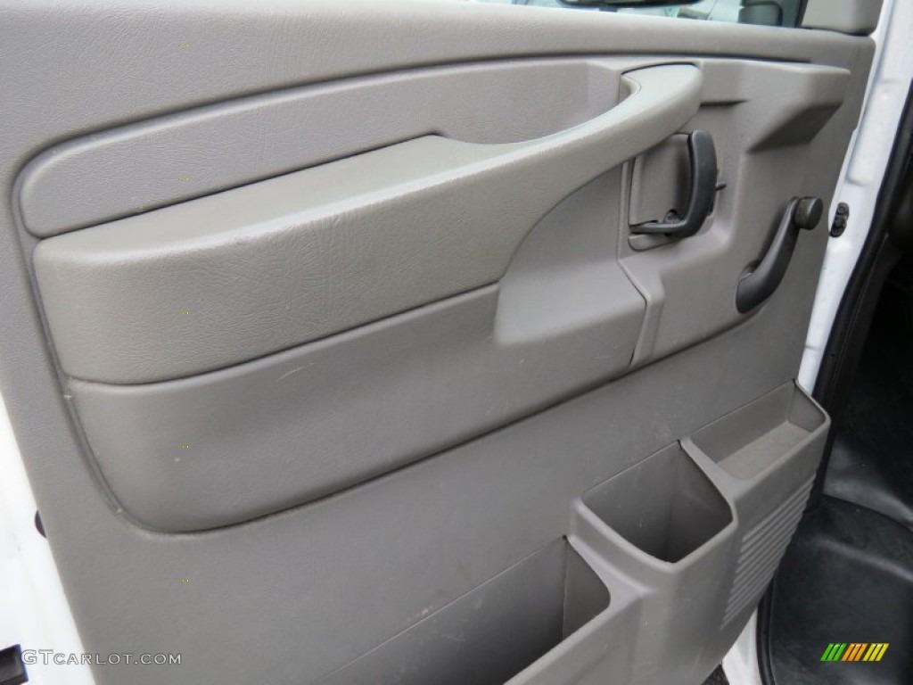 2006 Chevrolet Express 2500 Cargo Van Neutral Beige Door Panel Photo 68209464