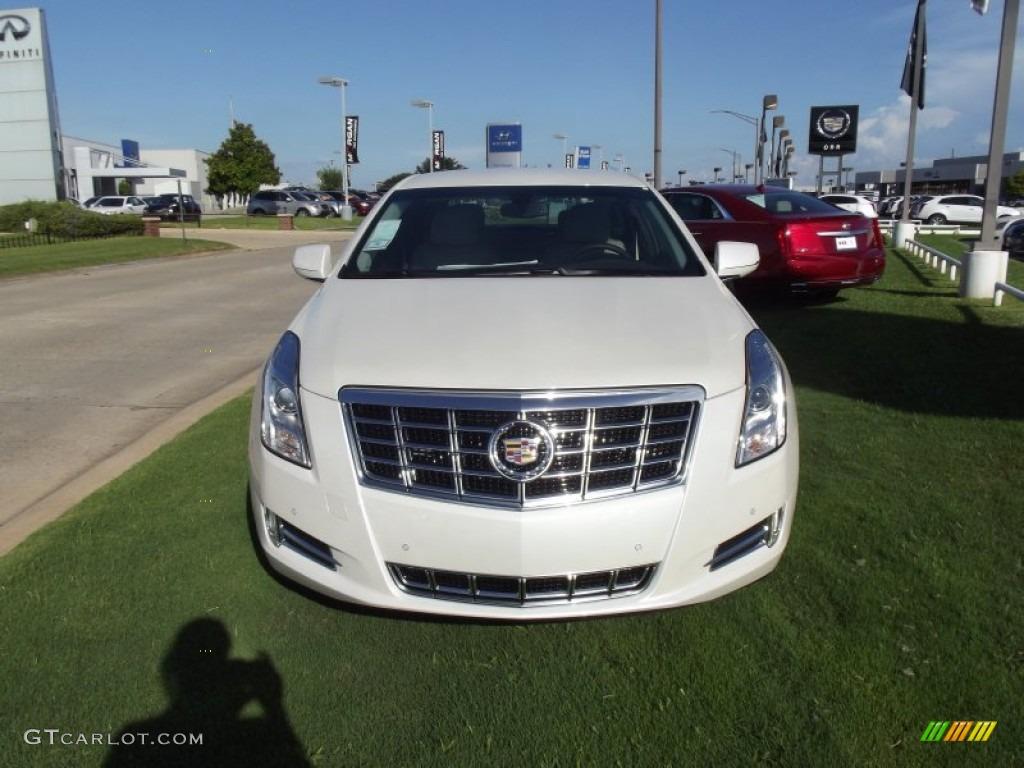 White Diamond Tricoat 2013 Cadillac Xts Luxury Fwd Exterior Photo 68209734
