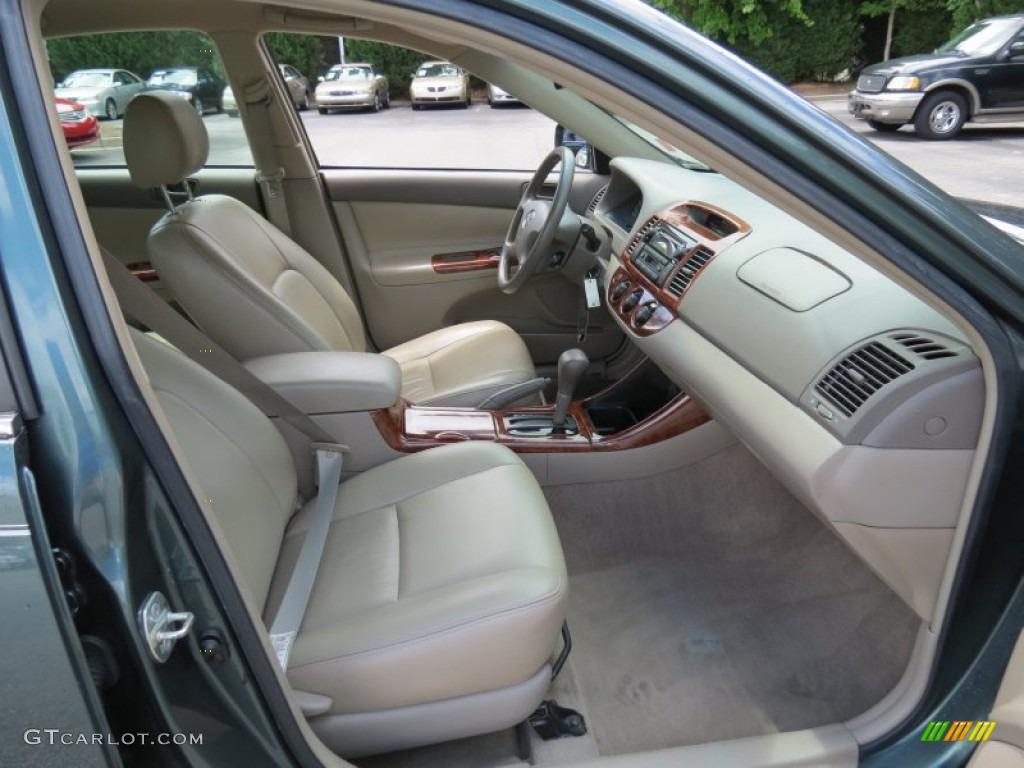 2004 Toyota Camry LE Interior Photo #68212788