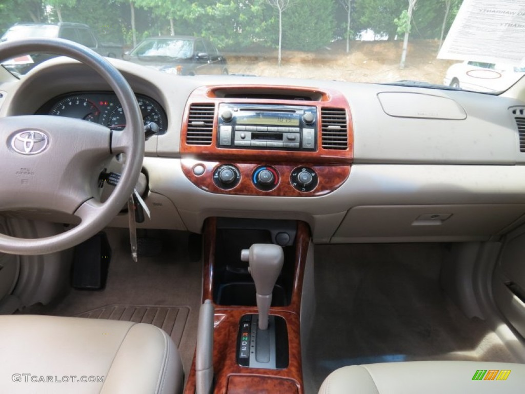2004 toyota camry le stone dashboard photo 68212794. Black Bedroom Furniture Sets. Home Design Ideas