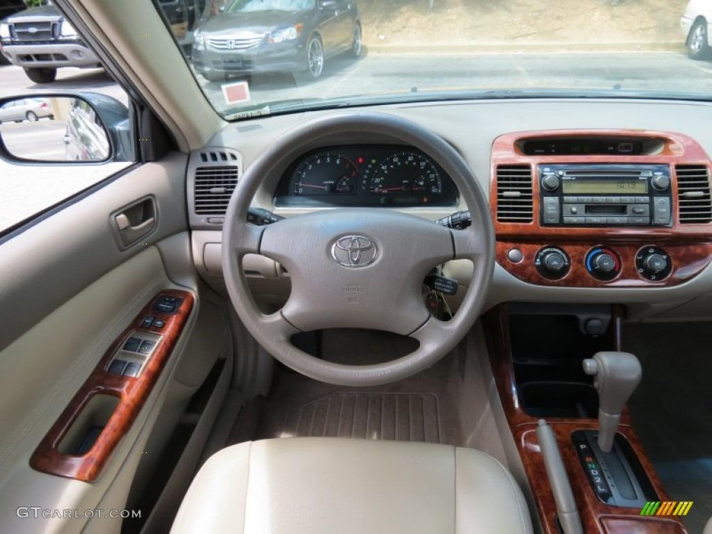 2004 Toyota Camry LE Stone Dashboard Photo #68212800