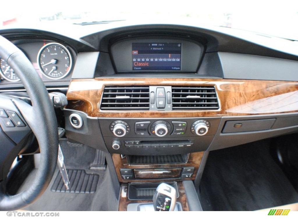 2010 bmw 5 series 528i xdrive sedan controls photo 68249539