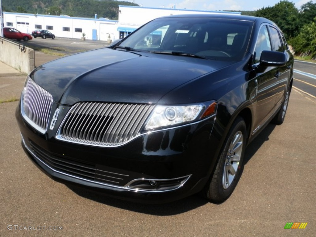 2013 Tuxedo Black Lincoln Mkt Town Car Livery Awd 68223104 Photo 2