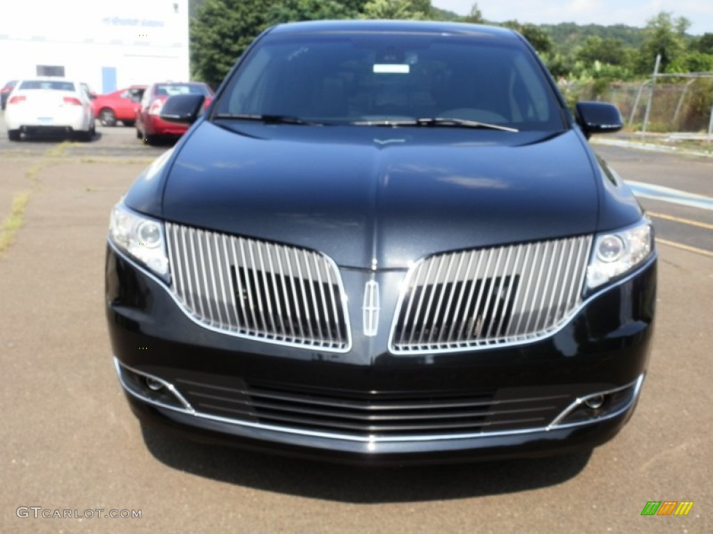 Tuxedo Black 2013 Lincoln MKT Town Car Livery AWD Exterior Photo