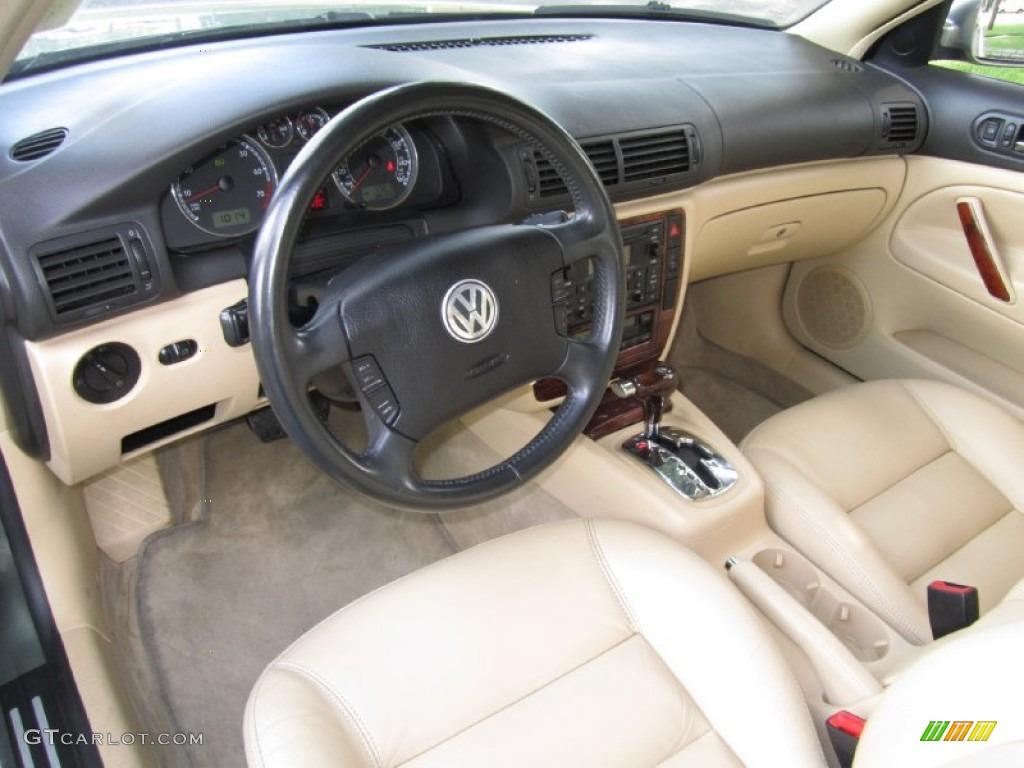 Beige interior 2004 volkswagen passat glx 4motion wagon for Volkswagen passat interior