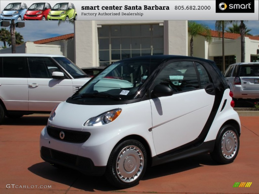 2013 fortwo pure coupe crystal white plain black photo 1