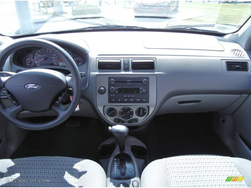 2005 ford focus zx4 ses sedan dark flint light flint dashboard photo 68410037