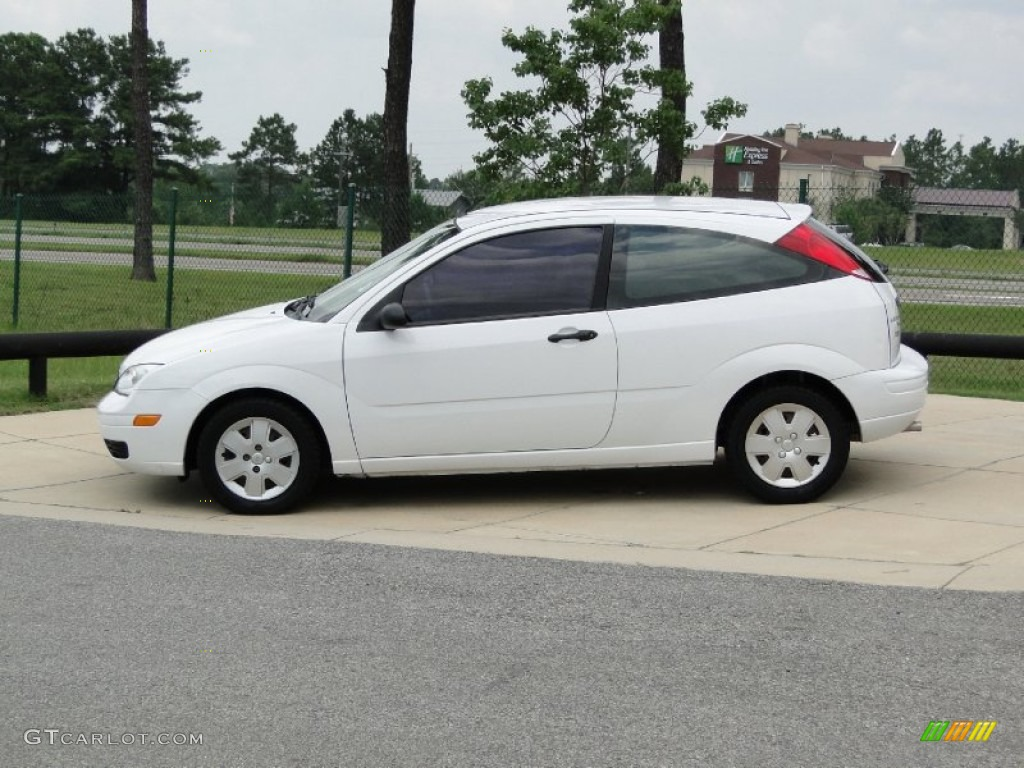 cloud 9 white 2006 ford focus zx3 se hatchback exterior. Black Bedroom Furniture Sets. Home Design Ideas