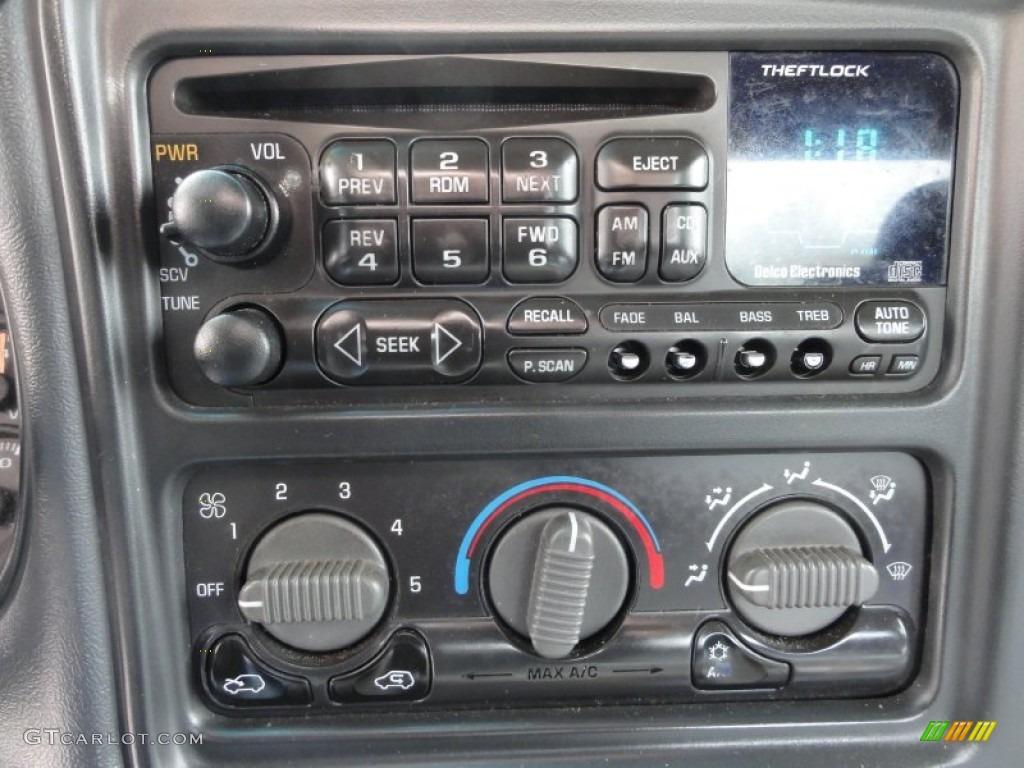 2002 Silverado 1500 LS Extended Cab 4x4 - Onyx Black / Graphite Gray photo #32