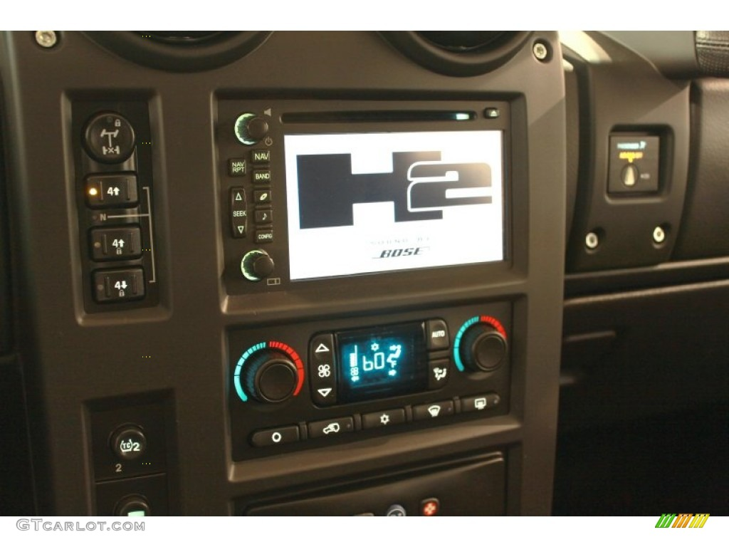 2006 Hummer H2 SUV Navigation Photos