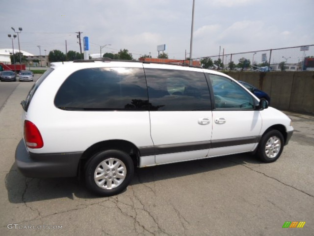 Bright white 1999 dodge grand caravan se exterior photo 68509792