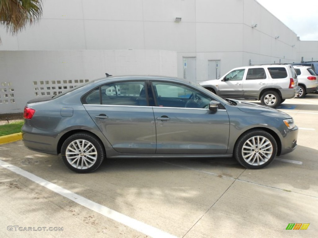 platinum gray metallic 2013 volkswagen jetta tdi sedan. Black Bedroom Furniture Sets. Home Design Ideas