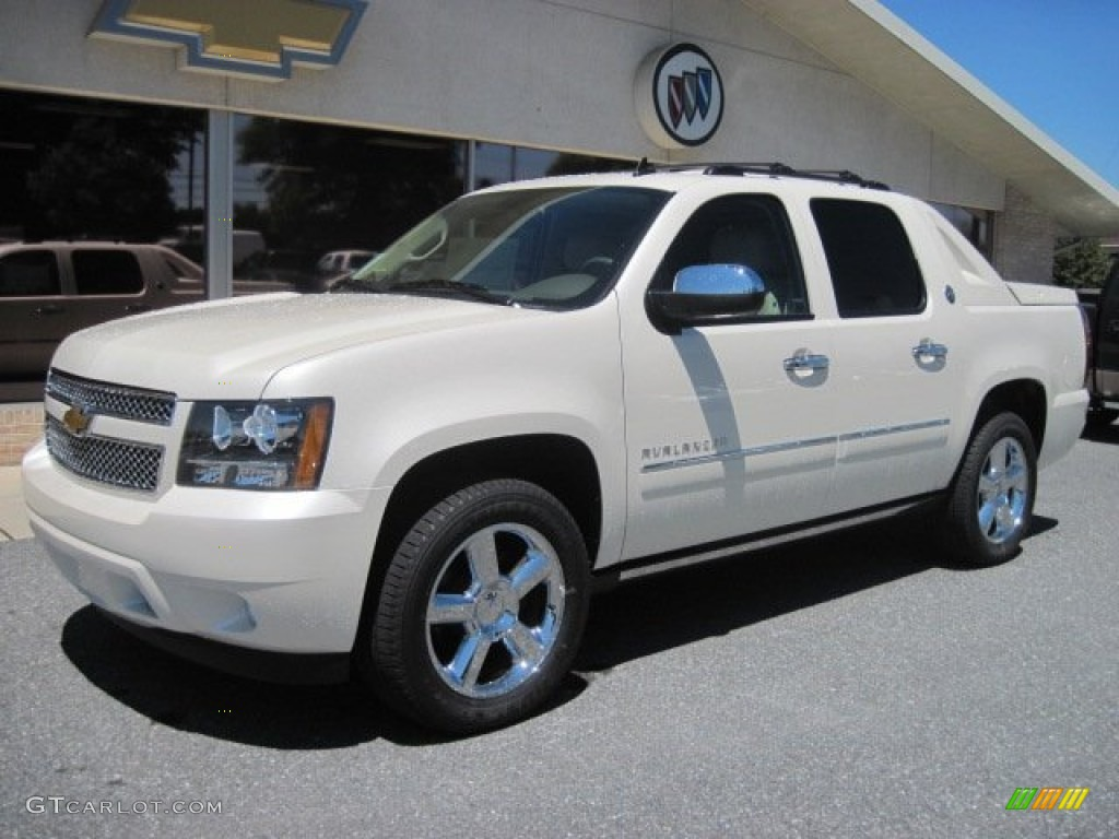 2013 chevy avalanche black diamond black white diamond tricoat 2013. Cars Review. Best American Auto & Cars Review