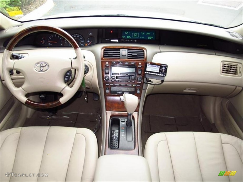 Elegant 2003 Toyota Avalon XLS Ivory Dashboard Photo #68609210
