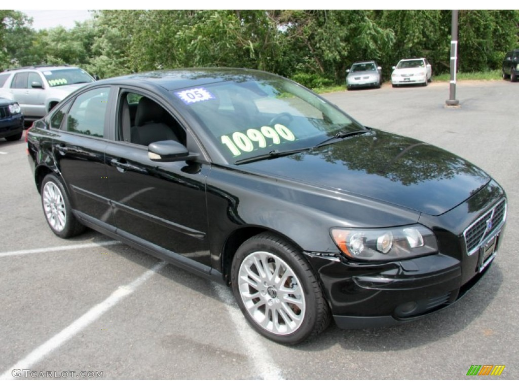 black 2005 volvo s40 t5 awd exterior photo 68656348. Black Bedroom Furniture Sets. Home Design Ideas