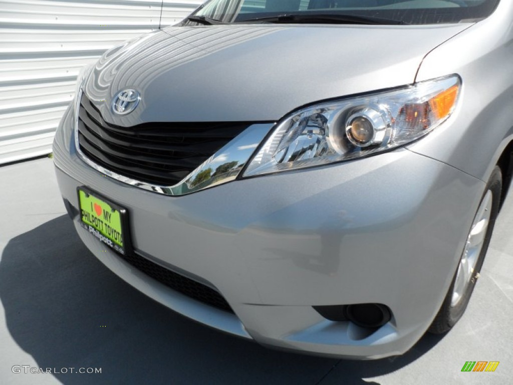 2012 Sienna LE - Silver Sky Metallic / Light Gray photo #9