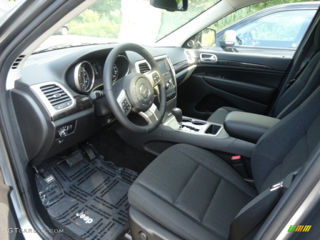 black interior 2013 jeep grand cherokee laredo 4x4 photo 68708470. Black Bedroom Furniture Sets. Home Design Ideas