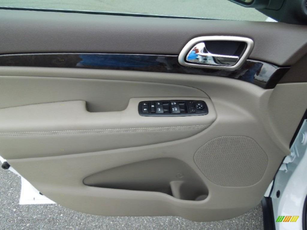 2013 Jeep Grand Cherokee Laredo 4x4 Dark Graystone Medium Graystone Door Panel Photo 68747884