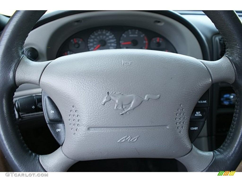 2000 Mustang V6 Coupe - Laser Red Metallic / Medium Graphite photo #18