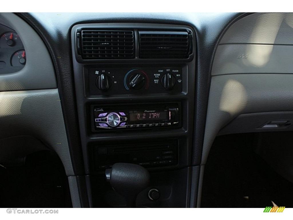 2000 Mustang V6 Coupe - Laser Red Metallic / Medium Graphite photo #20
