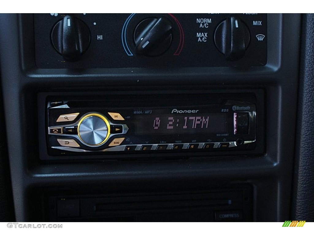 2000 Mustang V6 Coupe - Laser Red Metallic / Medium Graphite photo #30