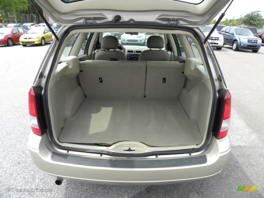 2006 Ford Focus ZXW SE...2009 Ford Focus Ses
