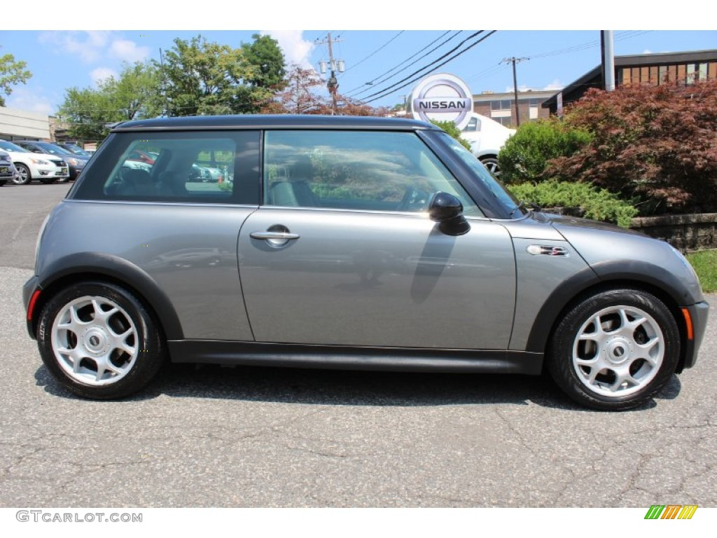 dark silver metallic 2004 mini cooper s hardtop exterior. Black Bedroom Furniture Sets. Home Design Ideas