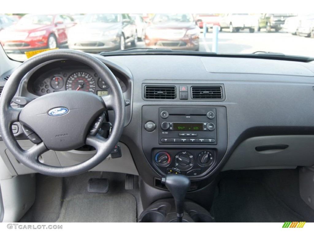2003 Ford Focus Zx5 >> 2007 Ford Focus ZXW SE Wagon Charcoal/Light Flint Dashboard Photo #68885964 | GTCarLot.com