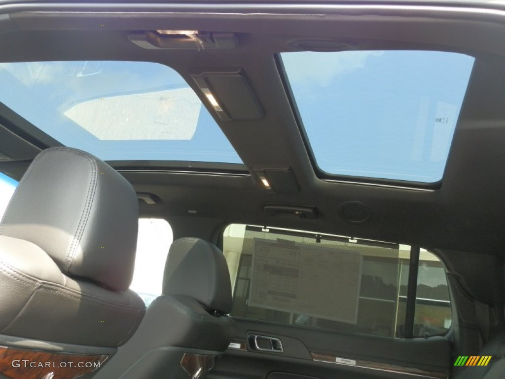 2013 lincoln mkt town car livery awd sunroof photos. Black Bedroom Furniture Sets. Home Design Ideas