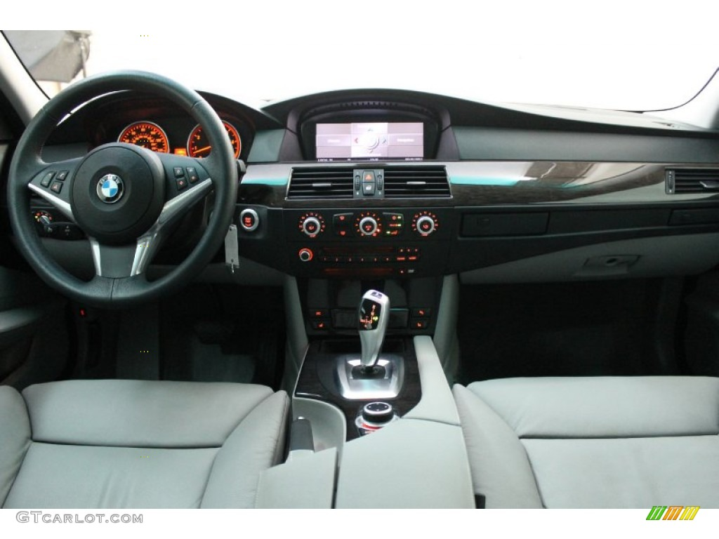 2009 Bmw 5 Series 535i Sedan Grey Dakota Leather Dashboard
