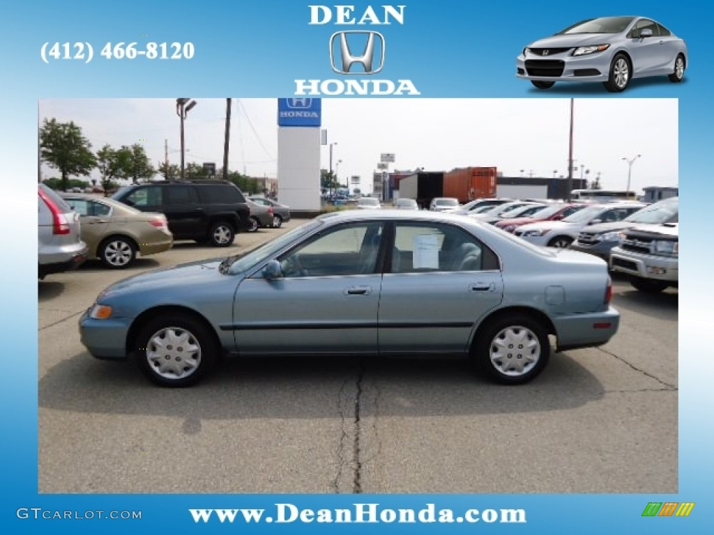 1996 Accord LX Sedan - Sage Green Metallic / Gray photo #1