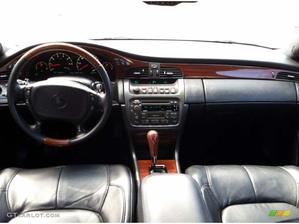 2002 Cadillac Deville Dts Black Dashboard Photo 68986724